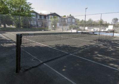 tennis courts condo near blue mountain